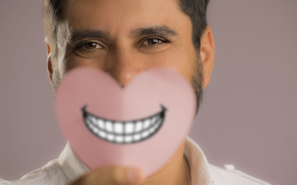 cuando sonríes te cambia la cara; la sonrisa te puede abrir muchas puertas, además, te permite conectar mejor con una persona.