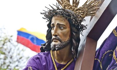 Para los que no quieren salir de casa. En la Catedral la misa es televisada por Canal Once del Zulia.