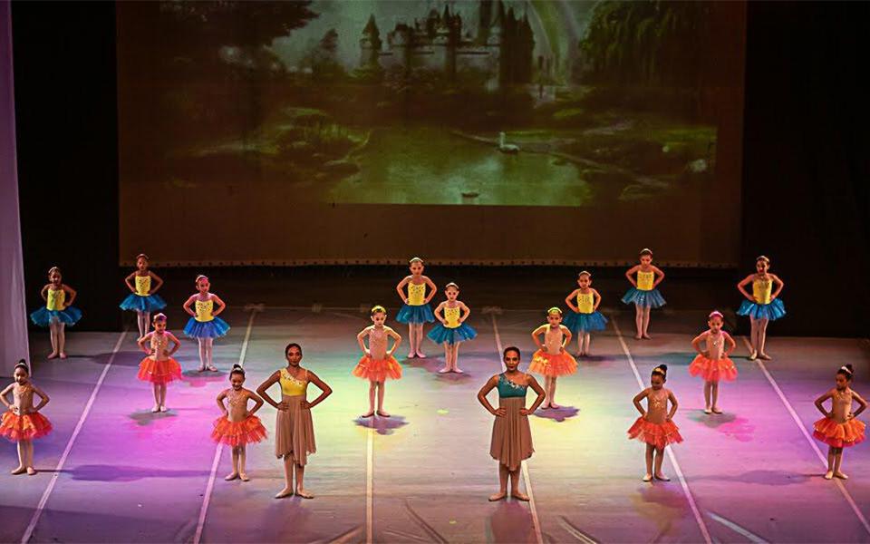 Le Studio de Ballet tiene cuatro años educando a las niñas marabinas